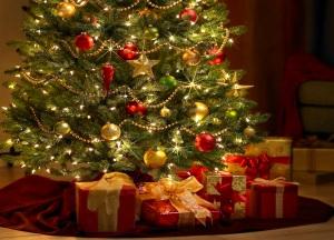arbol-de-navidad-y-regalos